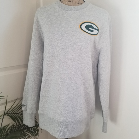 7ddf88213 NWT Throwback Packers Sweater!!